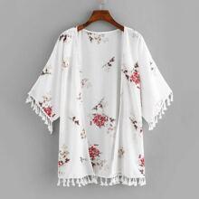 Ubergrosser Kimono mit Blumen und Quaste