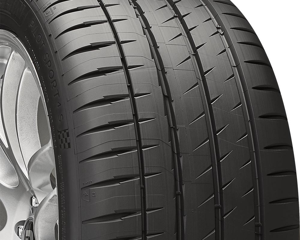 Michelin 43847 Pilot Sport 4S Tire 235/40 R18 95Y XL BSW