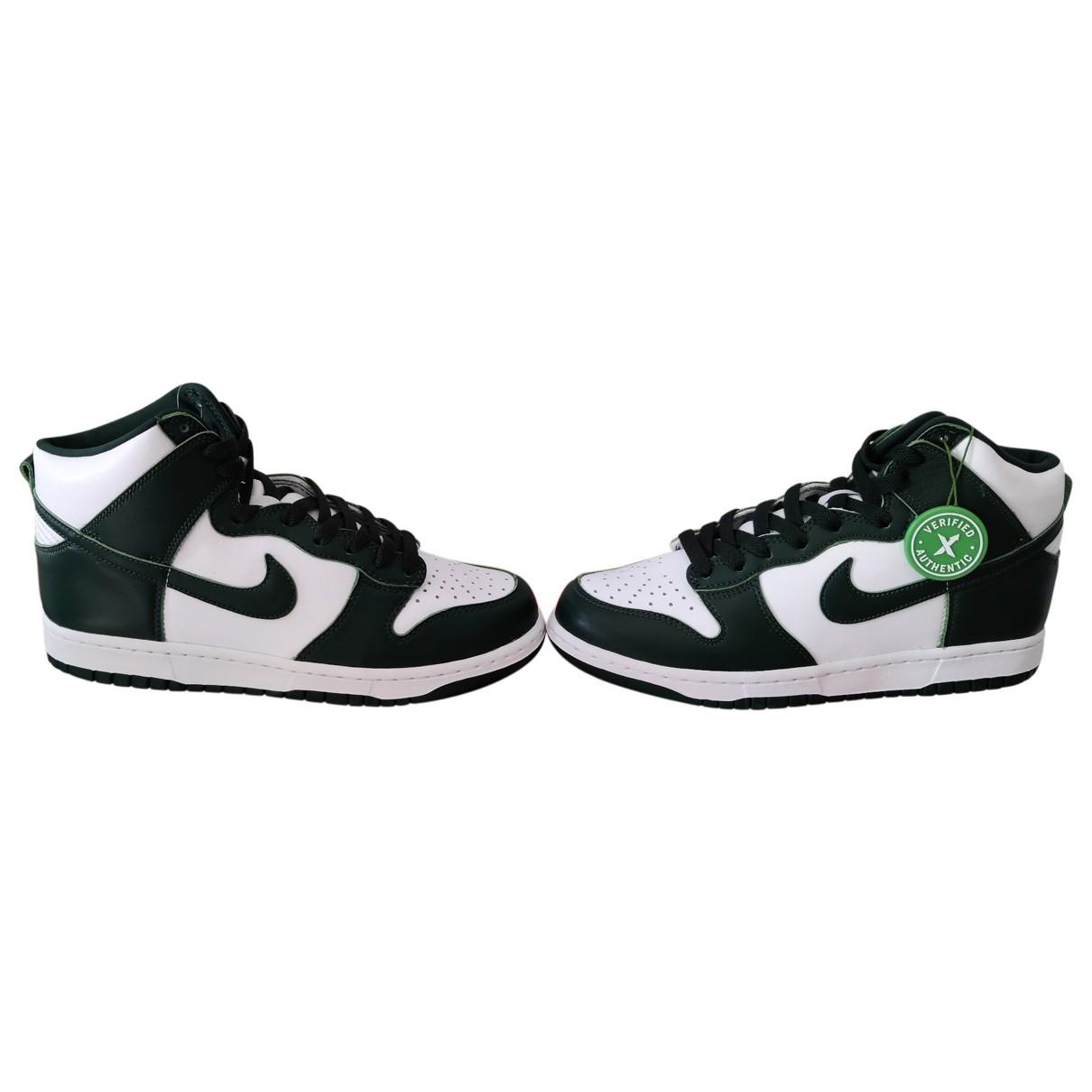 Nike SB Dunk  Sneakers in Leder