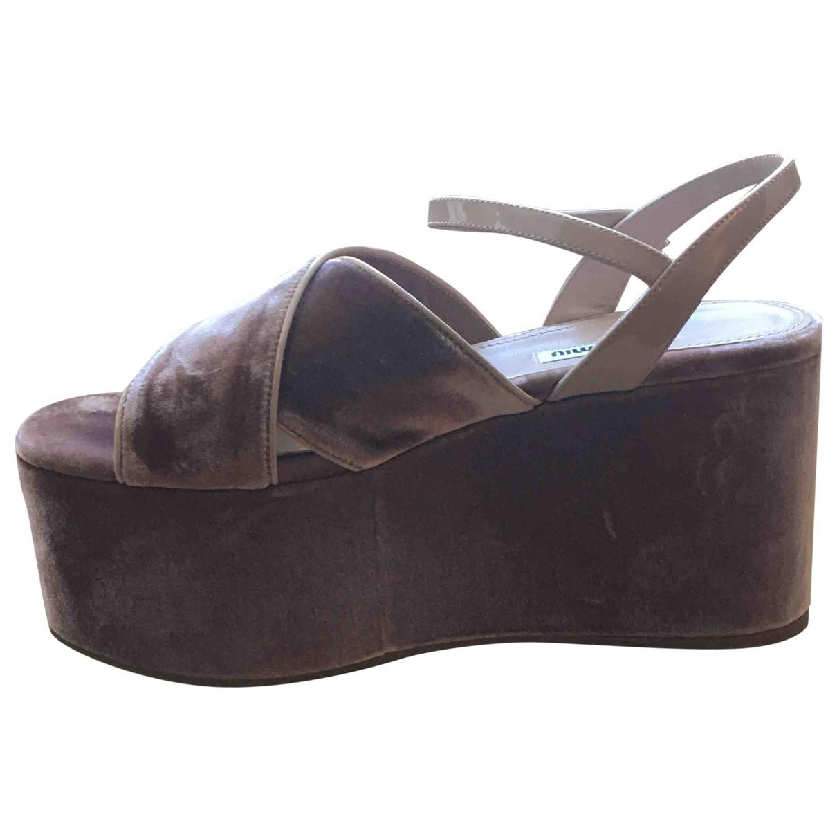 Sandalias de Terciopelo Miu Miu