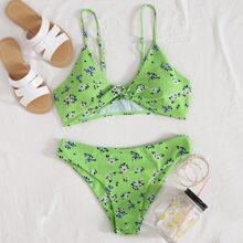Bikini Badeanzug mit Blumen Muster und Twist