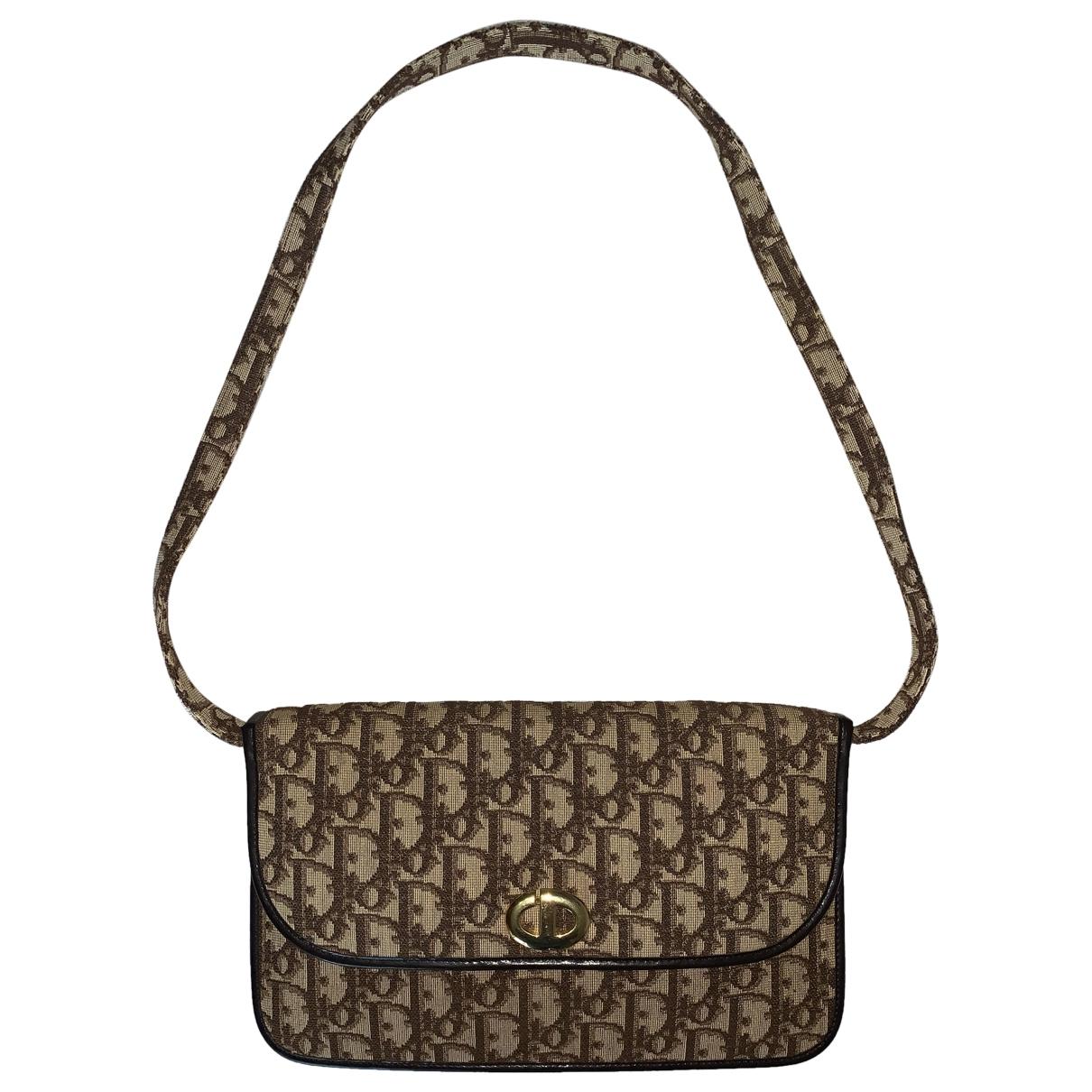 Pochette de Lona Dior