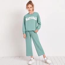 Pullover mit sehr tief angesetzter Schulterpartie und Buchstaben Grafik & Hose Set