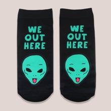 Socken mit Alien Muster