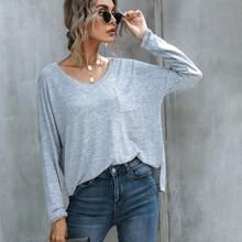 T-Shirt mit V-Kragen, Fledermausaermeln und Taschen Flicken