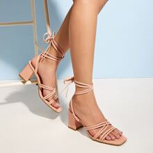 Sandalias con tacon grueso de pierna con cordon