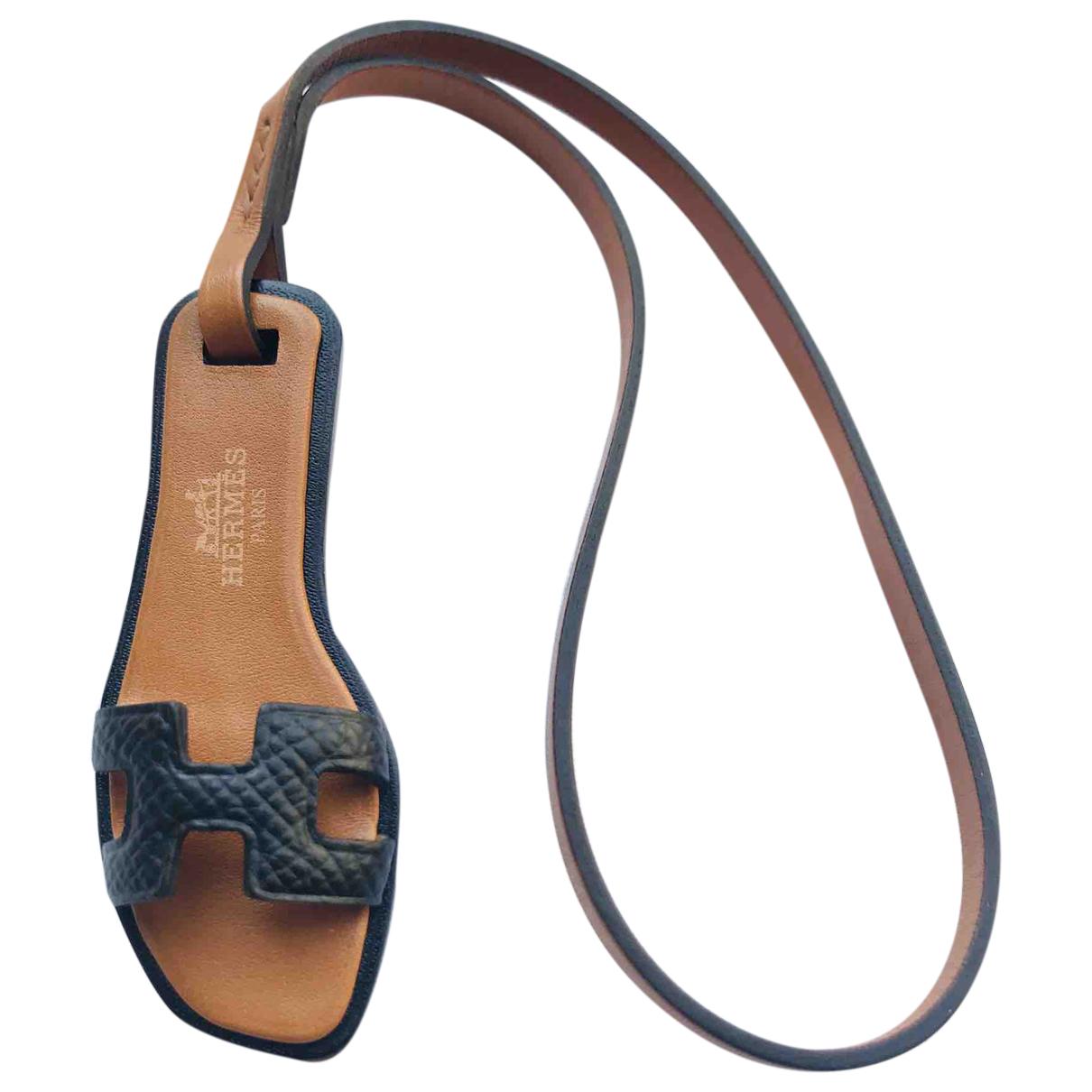 Hermes Oran Nano Charm Taschenschmuck in  Schwarz Leder