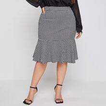Plus Houndstooth Ruffle Hem Skirt