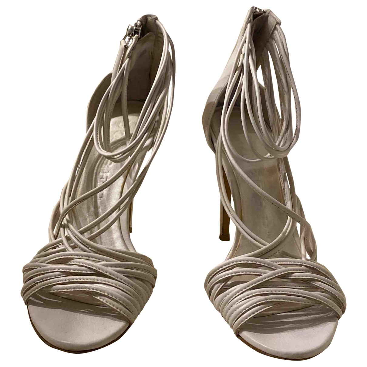 Burberry \N Sandalen in  Weiss Leder