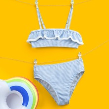 Bikini Badeanzug mit Streifen und Rueschen