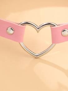 Gargantilla con diseño de corazon