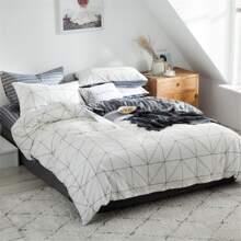 Bettwaesche Set mit Karo Muster ohne Fuelle