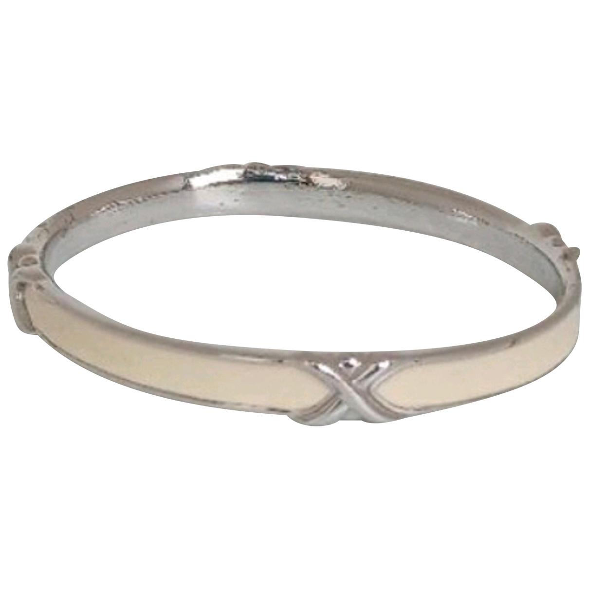 Trifari \N Armband in  Weiss Metall