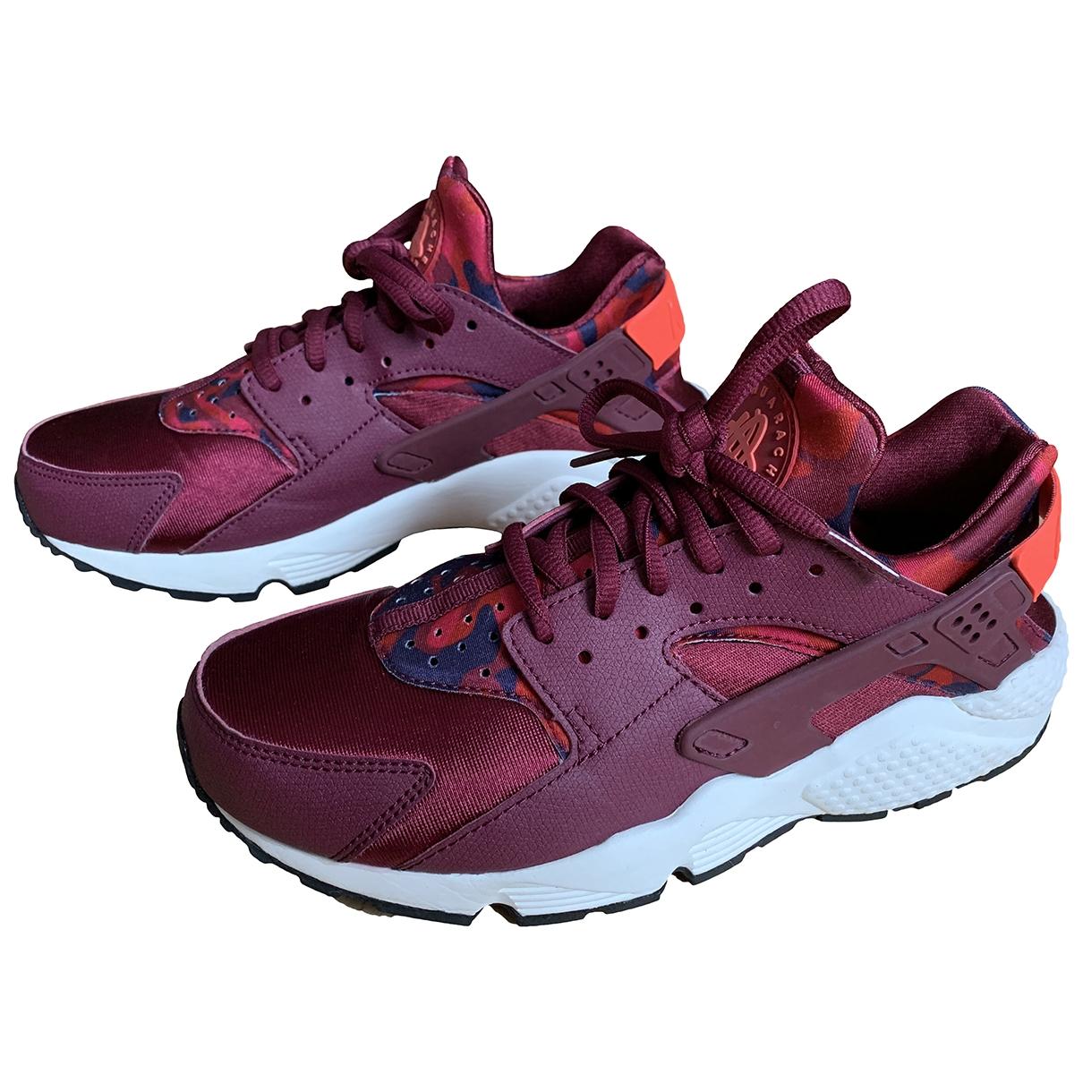 Nike Huarache Sneakers in  Bordeauxrot Leinen