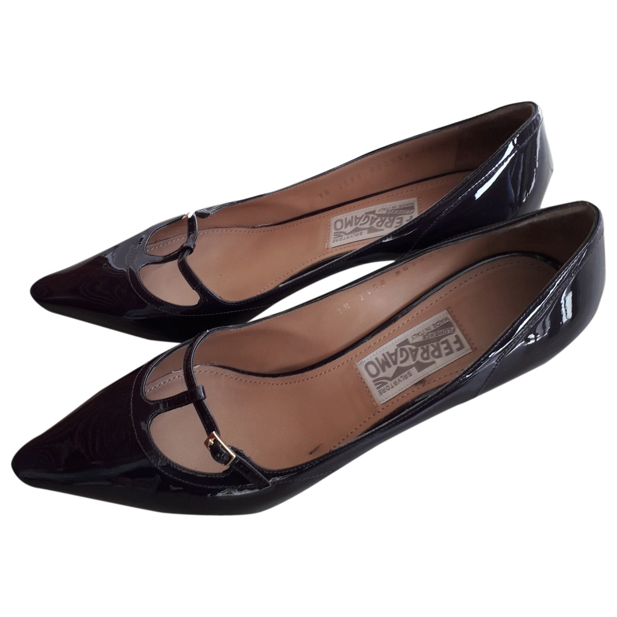 Salvatore Ferragamo \N Pumps in  Lila Lackleder