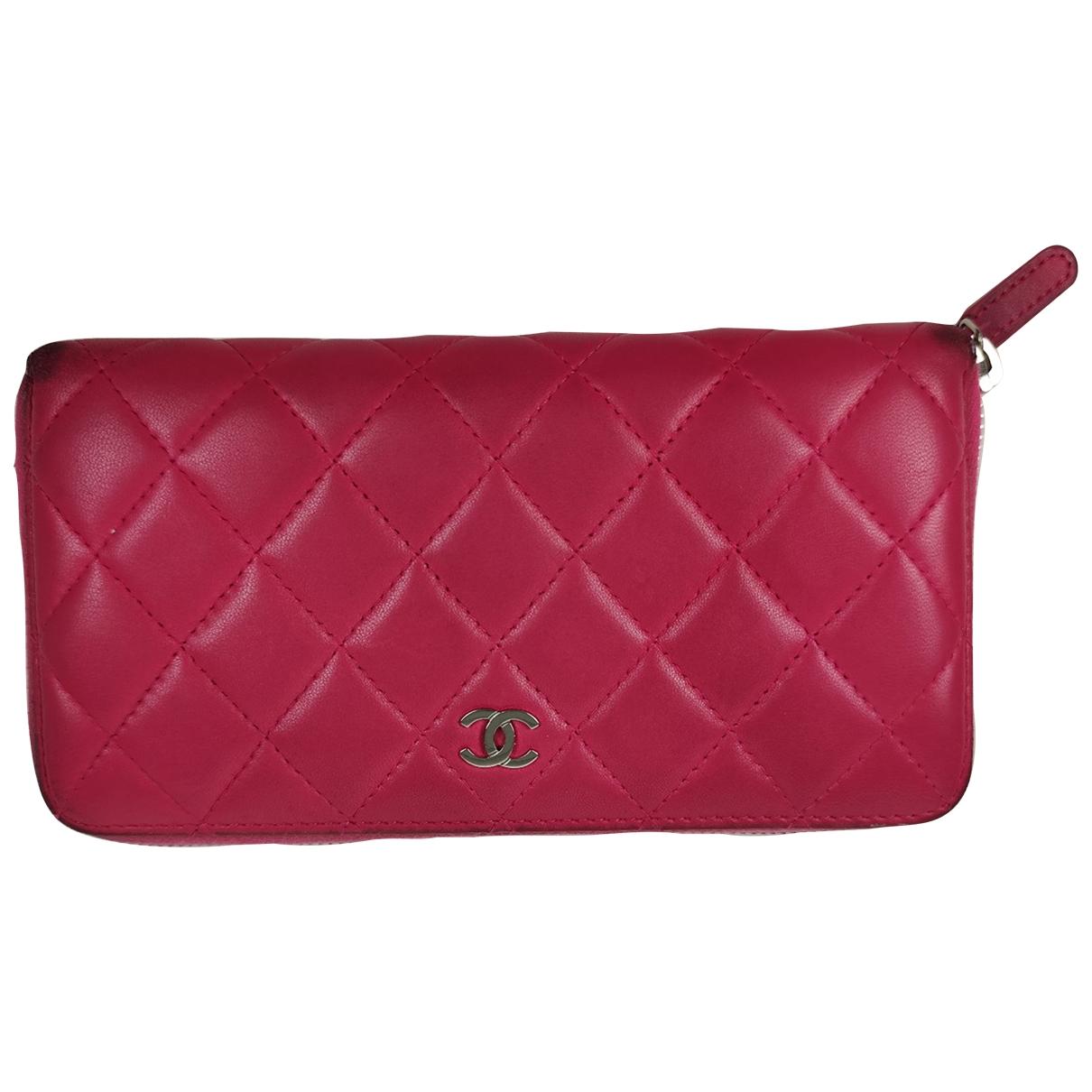 Chanel Timeless/Classique Portemonnaie in  Rosa Leder