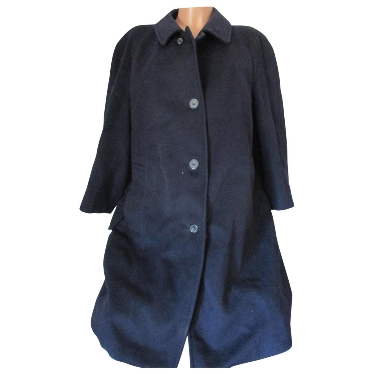 Aquascutum \N Maentel in  Blau Wolle