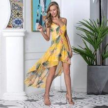 Double Crazy Cami Kleid mit Stufensaum und tropischem Muster