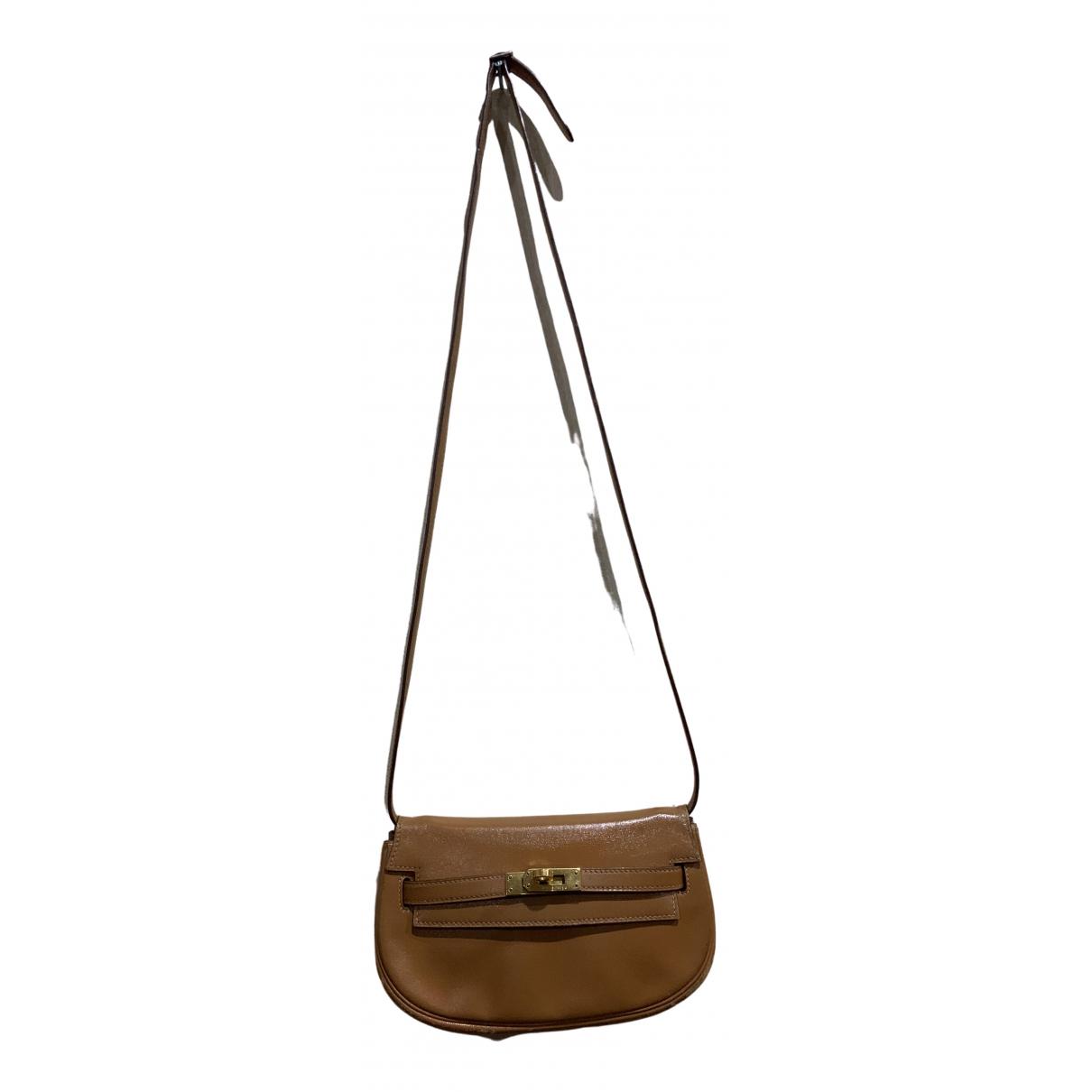 Hermès \N Camel Leather handbag for Women \N