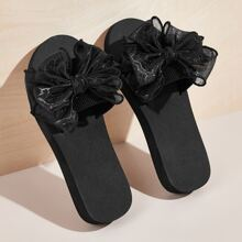 Zapatillas con diseño de lazo de malla
