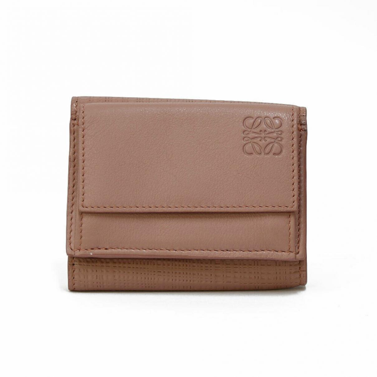 Loewe \N Portemonnaie in  Braun Leder