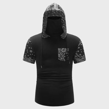 Men Paisley and Tribal Print Pocket Front Hoodie With Neck Gaiter