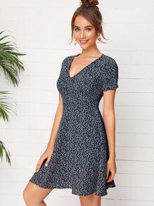 V-neck Ditsy Floral Dress