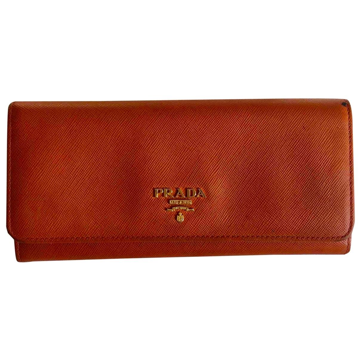Prada \N Portemonnaie in  Orange Leder