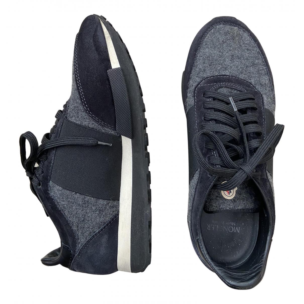 Moncler \N Sneakers in  Schwarz Veloursleder