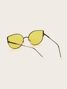 Metal Frame Tinted Lens Sunglasses