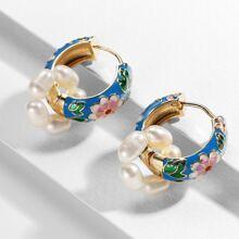 Faux Pearl Decor Flower Pattern Hoop Earrings