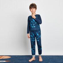 Schlafanzug Set mit Batik und Raglanaermeln